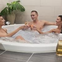 Luksus for 2 med Jacuzzi, peeling, massage og bobler - Spar 50%